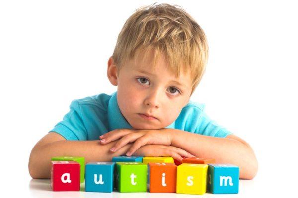 autismo-infantile-cause